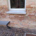 Cristallizzazione o efflorescenze presenza con presenza dei sali sui muri