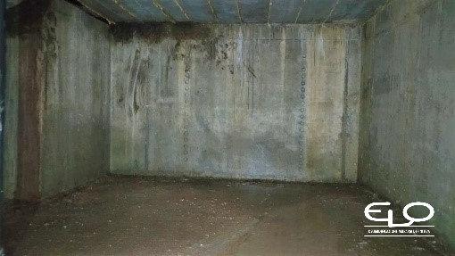 infiltrazioni d'acqua in setti di cemento - muro