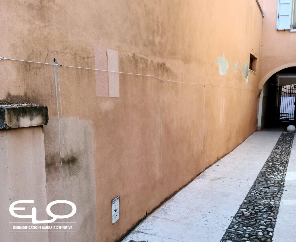 Asciugatura dei muri in caso di inondazioni, allagamenti, esondazioni e alluvioni.